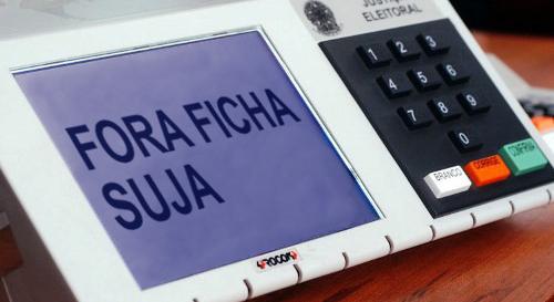 """Campanha na internet visa garantir que candidatos """"ficha suja"""" sejam barrados pelo TSE"""