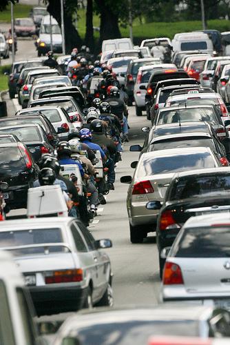 Transporte individual cresce 21% em São Paulo, diz pesquisa
