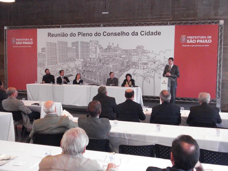 Conselho da Cidade debate dívida do município e como melhorar as calçadas