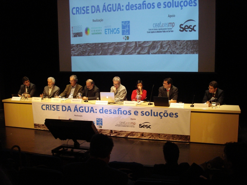 Debate sobre crise da água alerta para ameaça de desertificação da Região Sudeste