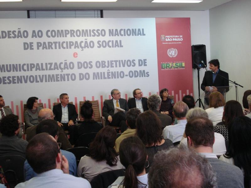 Prefeitura promove ato de apoio à Política Nacional de Participação Social