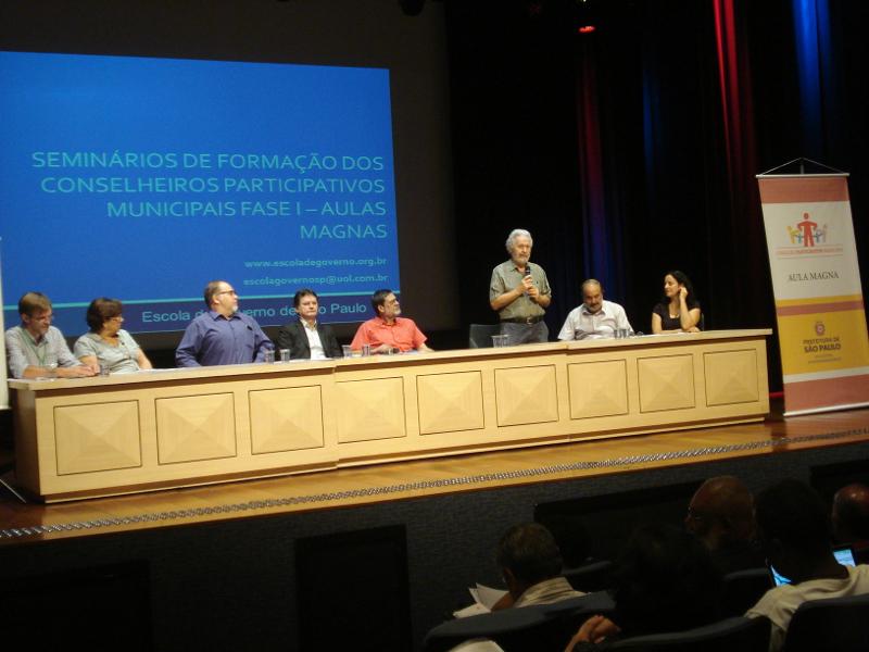 Conselheiros participativos recebem informações sobre a desigualdade na cidade
