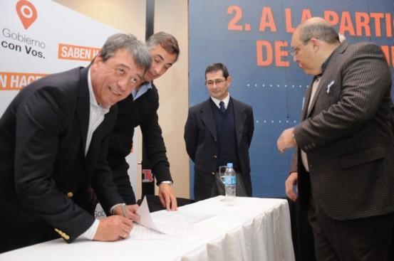 Candidatos ao governo de Mendoza firmam compromisso para a elaboração do Plano de Metas