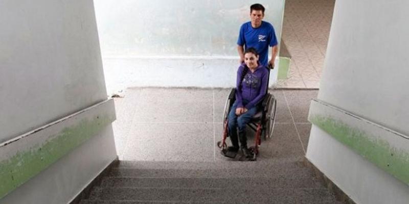 Maioria das escolas públicas de SP não é adaptada para pessoas com deficiência