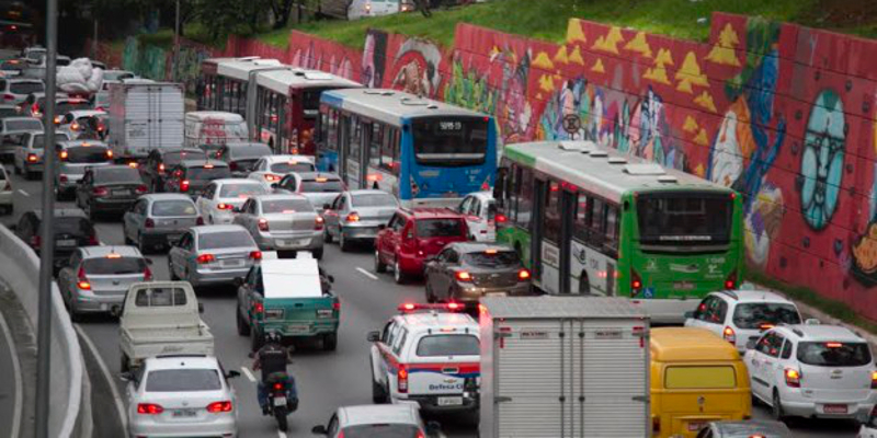 Organização Mundial da Saúde sugere limite de velocidade de 50 km/h em vias urbanas