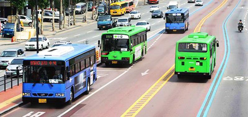 Doria quer importar 'ônibus digital' e usar Bilhete Único até para pagar táxi