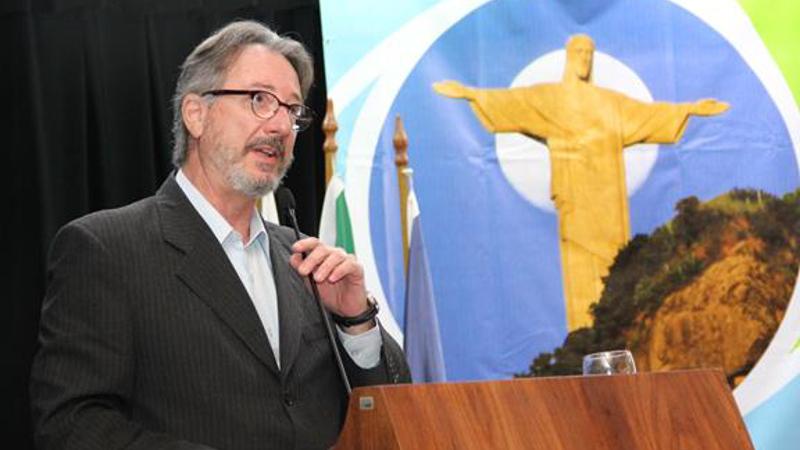 Espero que Temer contribua para eleições antecipadas, diz Caio Magri