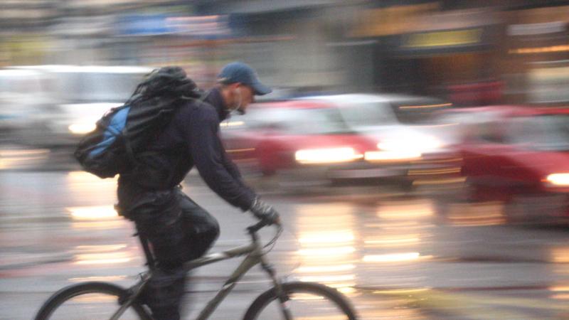 OMS recomenda limite de 50 km/h para reduzir mortes no trânsito