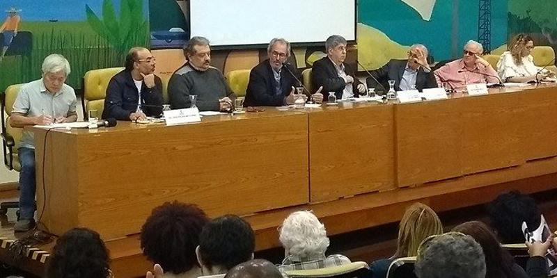 Sociedade civil quer a revogação do decreto que reduz número de conselheiros participativos