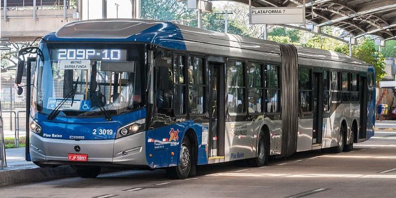 Organizações divulgam nota sobre suspensão do edital de licitação de ônibus